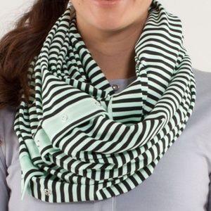 Lululemon green black striped vinyasa scarf